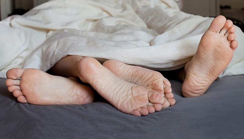 Ученые: Сон слюбимым человеком помогает побороть  бессонницу