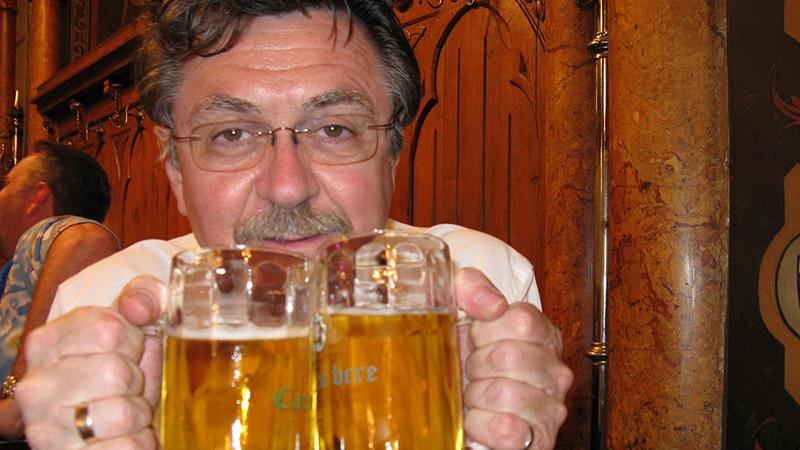 Ученые сообщили что его употребление делает человека счастливым— Полезные свойства пива