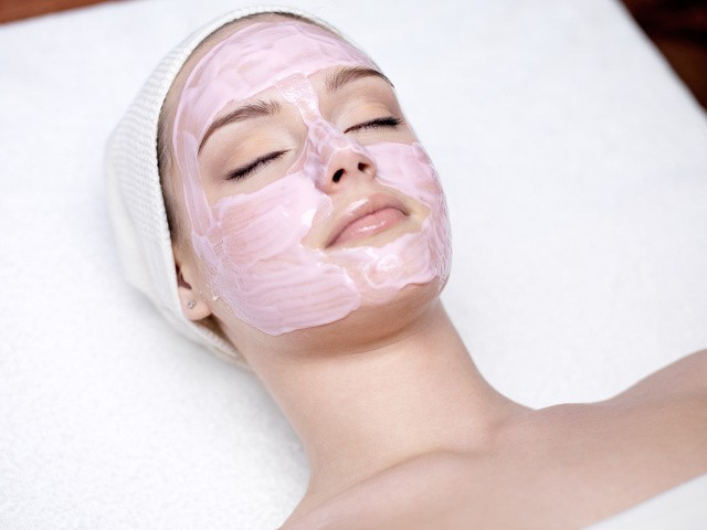 Как снять слой кожи с лица