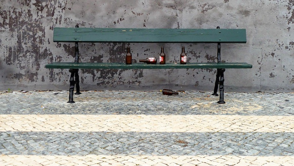 Чрезмерное употребление алкоголя пробуждает учеловека склонности красизму игомофобии— Ученые