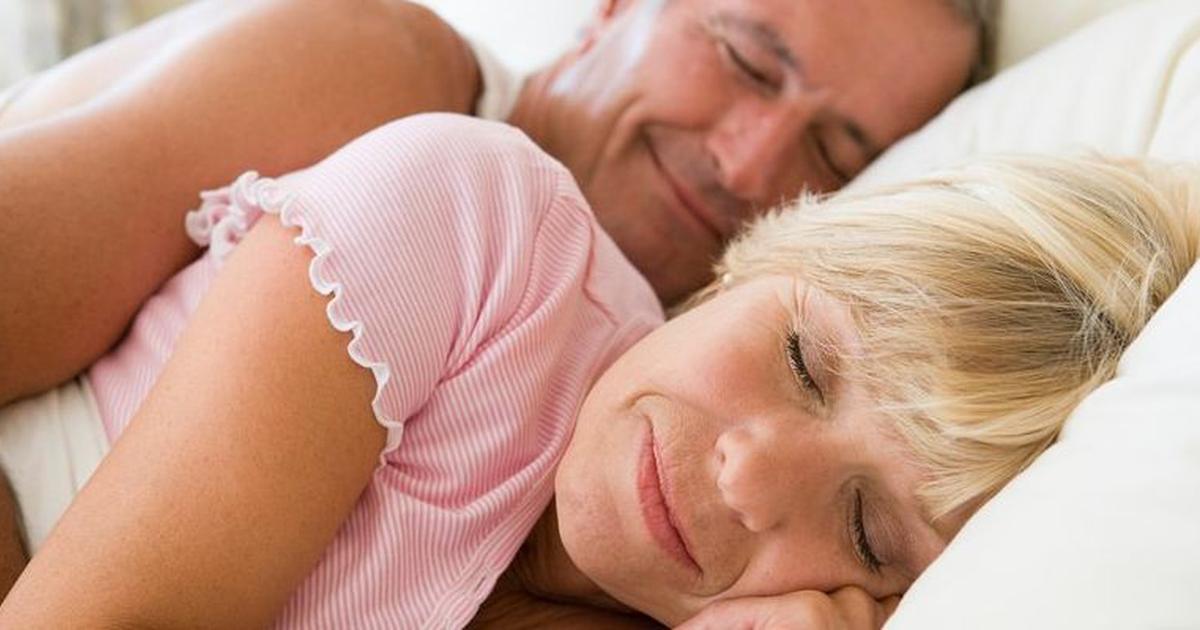 Сон, в котором вы занимались сексом с незнакомой девушкой, которую ни разу не видели — говорит о том, что вы слишком много времени уделяете любовным похождениям, предаете чрезмерно большое значение интиму.